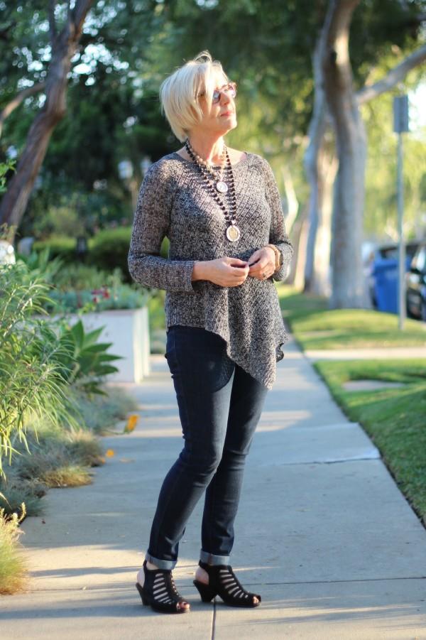 Eileen Fisher linen sweater, skinny jeans
