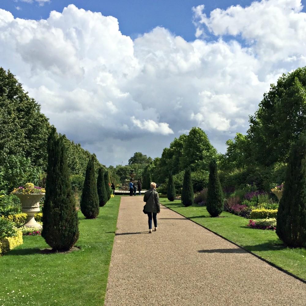 manicured garden Regent's Park