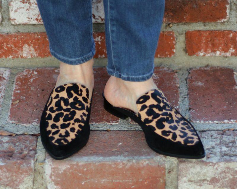 Detail: style blogger Susan B. wears Halogen leopard mules. Details at une femme d'un certain age.
