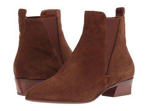 Aquatalia Fabienne ankle boot. Details at une femme d'un certain age.