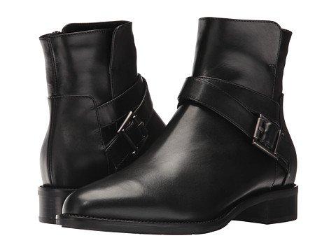 Aquatalia weather-resistant moto boots. Details at une femme d'un certain age.