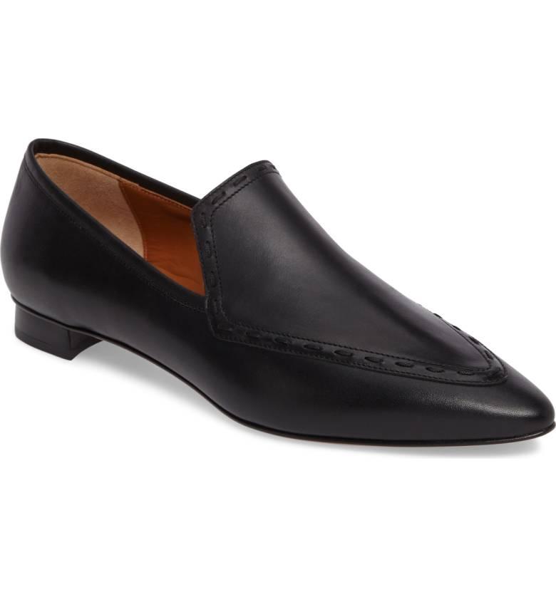 Water-resistant shoes from Aquatalia. Details at une femme d'un certain age.