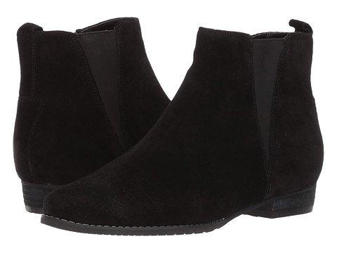 Blondo waterproof chelsea boot. Details at une femme d'un certain age.
