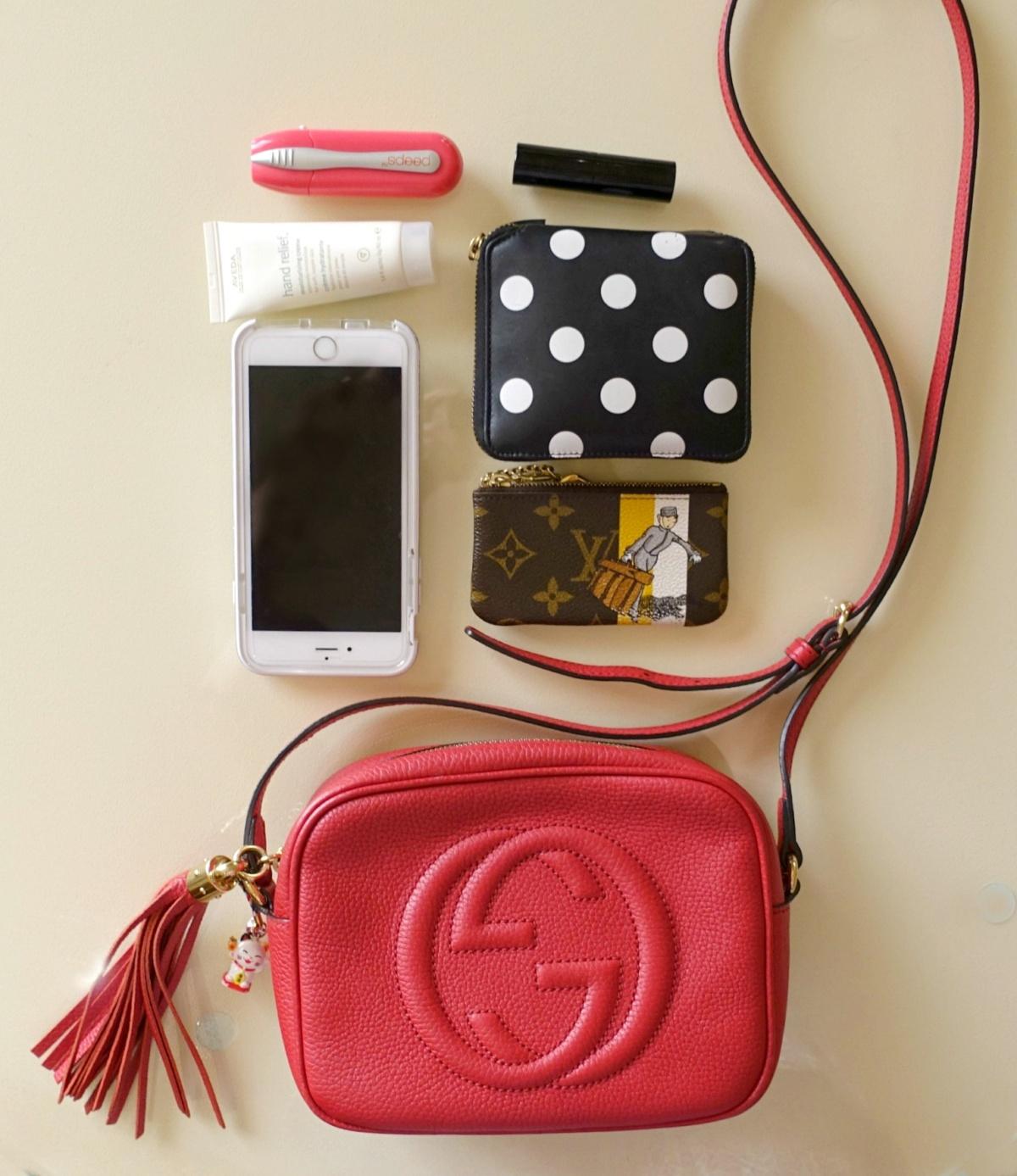 Gucci Soho disco bag and contents. Details at une femme d un certain age ... f0df0c0fc036e
