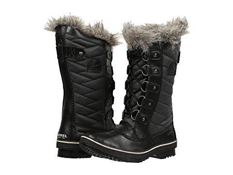 Sorel winter boots for women. Details at une femme d'un certain age.