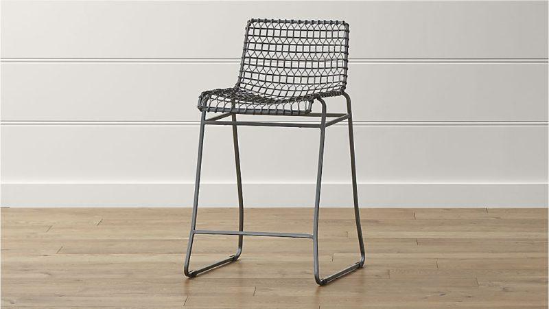Wire counter stool. Details at une femme d'un certain age.