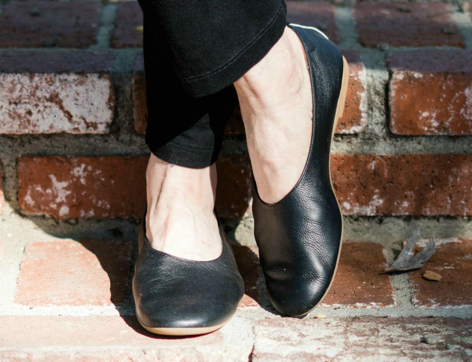 Little black ballet flats in a meeting - 1 part 8