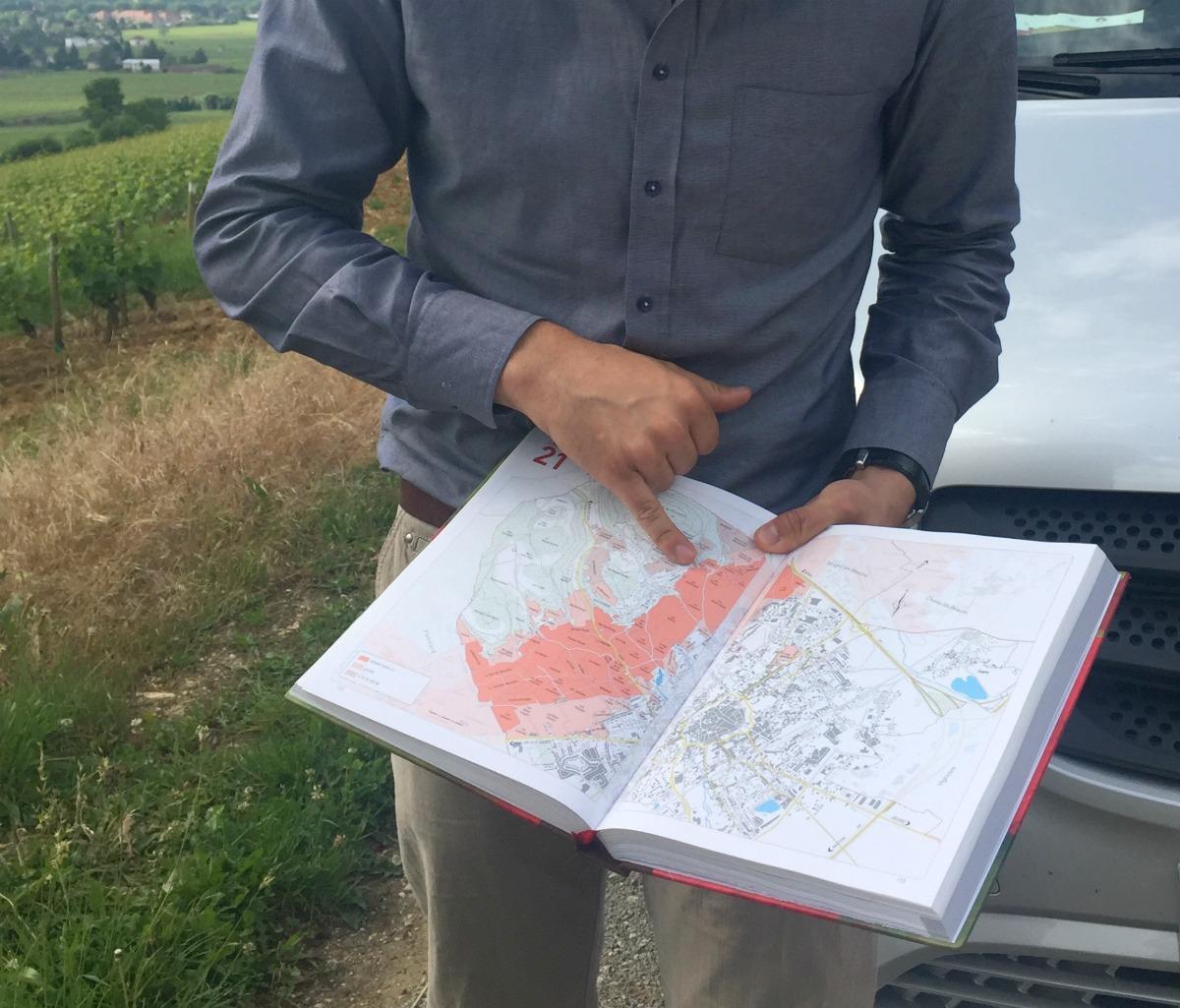 Our guide explains the appellations of the vineyards. Details at une femme d'un certain age.