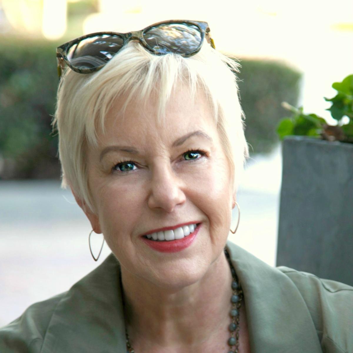 Style blogger Susan B. of une femme d'un certain age.