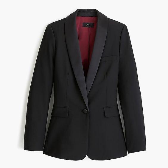 J.Crew tuxedo blazer in black wool. Details at une femme d'un certain age.