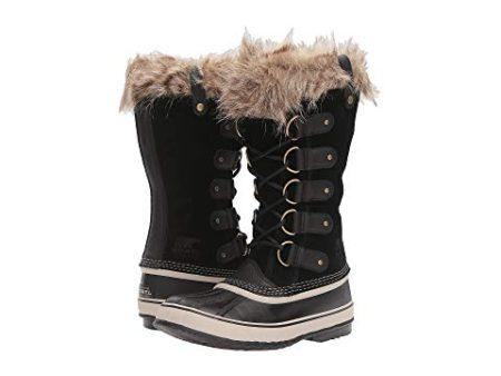 Sorel Joan of Arctic black winter boots. Details at une femme d'un certain age.