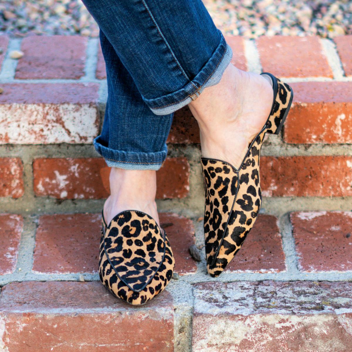 Detail: Susan B wears leopard print mules. Details at une femme d'un certain age.