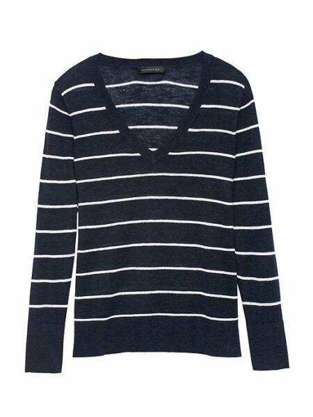 Banana Republic striped linen blend sweater with v-neck. Details at une femme d'un certain age.