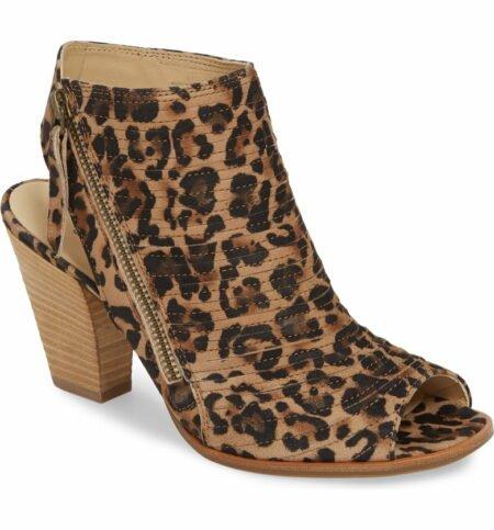 Paul Green leopard heeled Cayanne sandal. Details at une femme d'un certain age.
