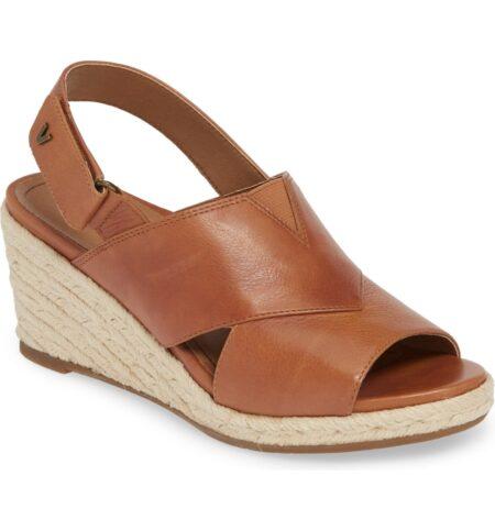 Vionic brown espadrille wedge sandals. Details and more Paris summer style trends at une femme d'un certain age.