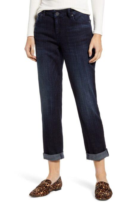 Kut From The Kloth dark wash boyfriend jeans on sale. Details at une femme d'un certain age.