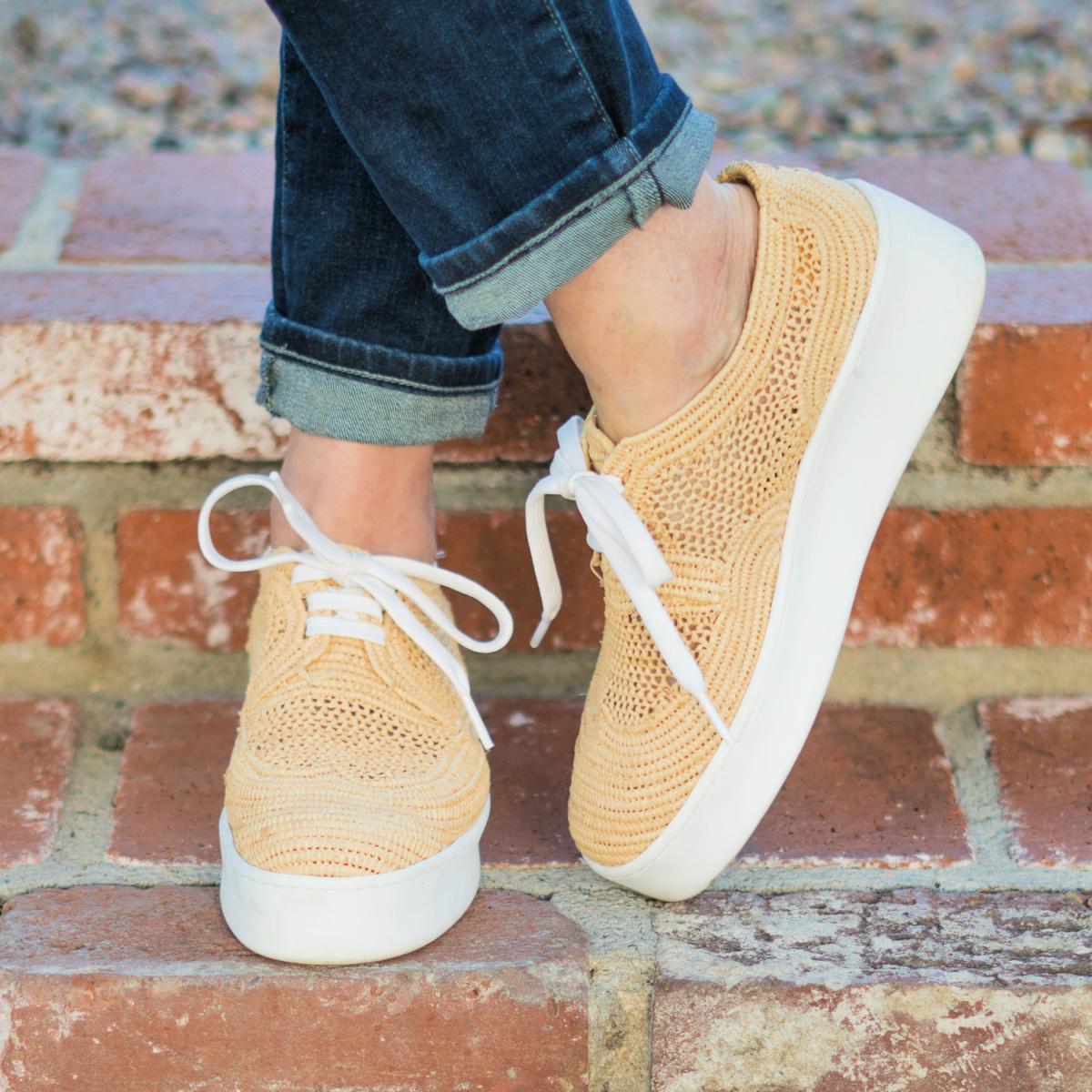 Detail: Susan B wears Clergerie raffia sneakers. Info at une femme d'un certain age.