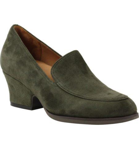 Lamour des pieds green suede heeled loafer. Details at une femme d'un certain age.