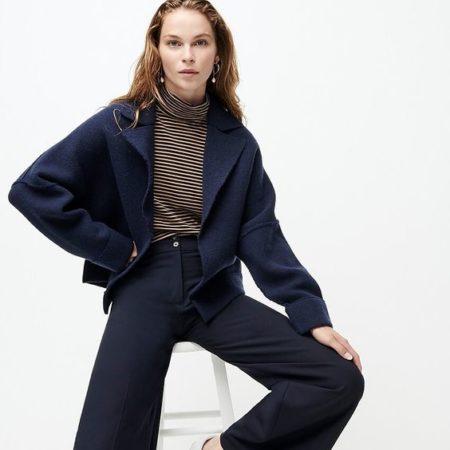 J.Crew oversized short sweater blazer in navy. Details at une femme d'un certain age.