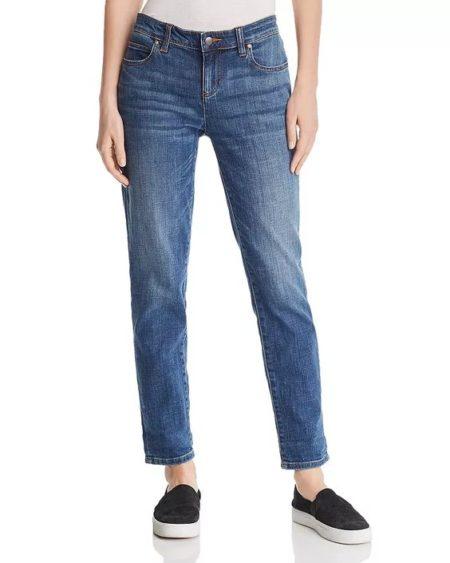 Eileen Fisher boyfriend jeans in aged indigo. Details at une femme d'un certain age.