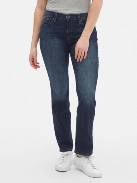 Gap classic mid-rise straight leg jeans. Details at une femme d'un certain age.