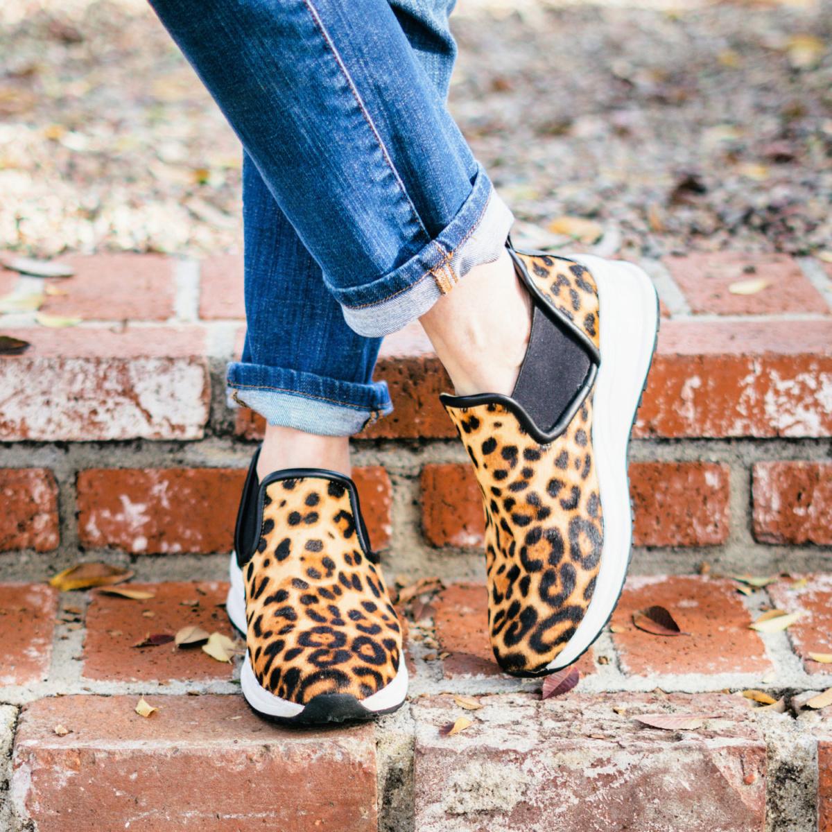 Detail: Susan B. wears Taryn Rose Zayda slip-on weatherproof sneakers. Info at une femme d'un certain age.