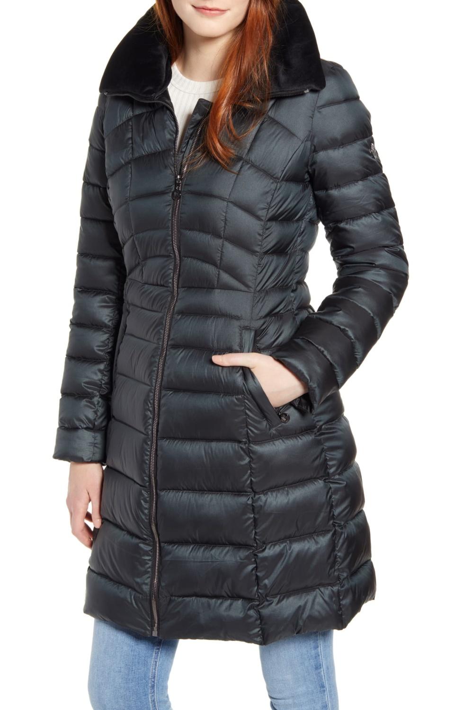 Bernardo water-resistant puffer coat. Details at une femme d'un certain age.