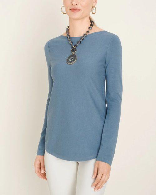 Chicos shirttail hem sweater in Dockside Blue. Details at une femme d'un certain age.