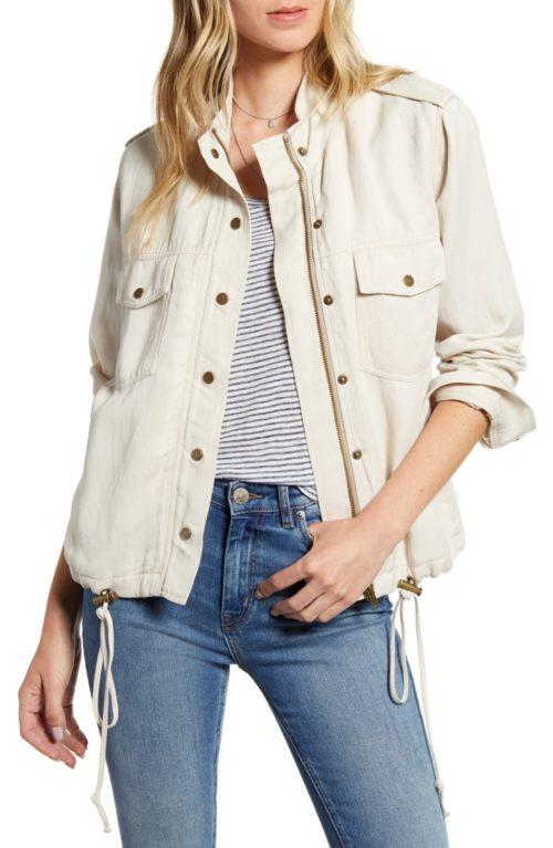 Rails utility jacket in ivory. Details at une femme d'un certain age.
