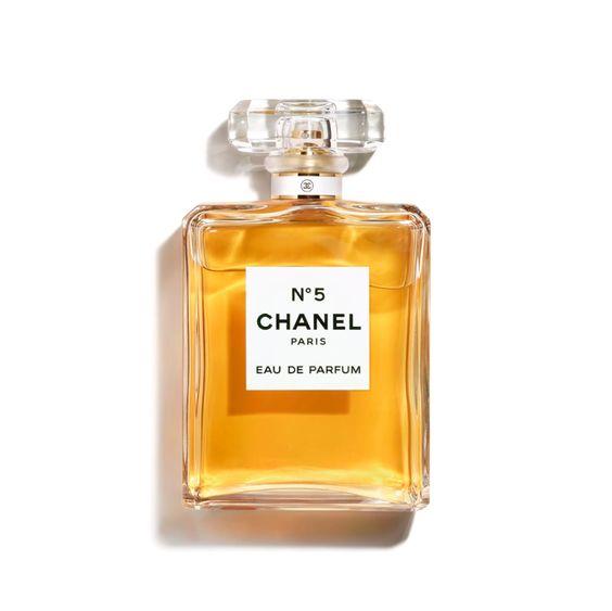 Chanel No5 Eau de Parfum spray. Details and more classic fragrances at une femme d'un certain age.
