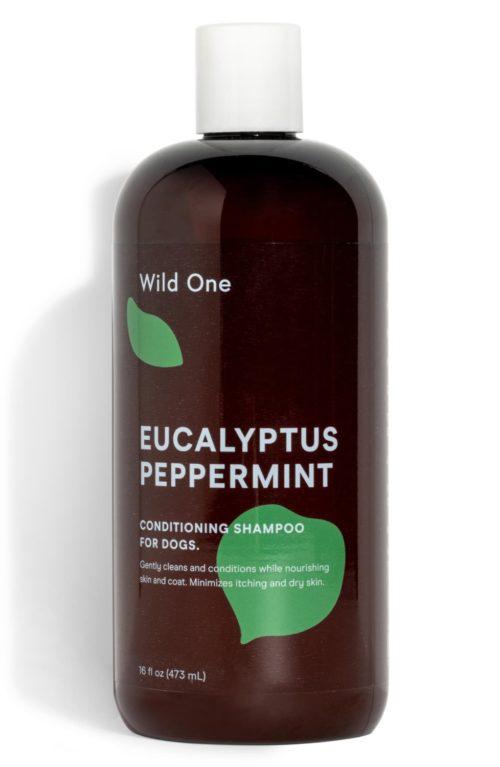 Wild One Eucalyptus Peppermint conditioning dog shampoo. Details at une femme d'un certain age.