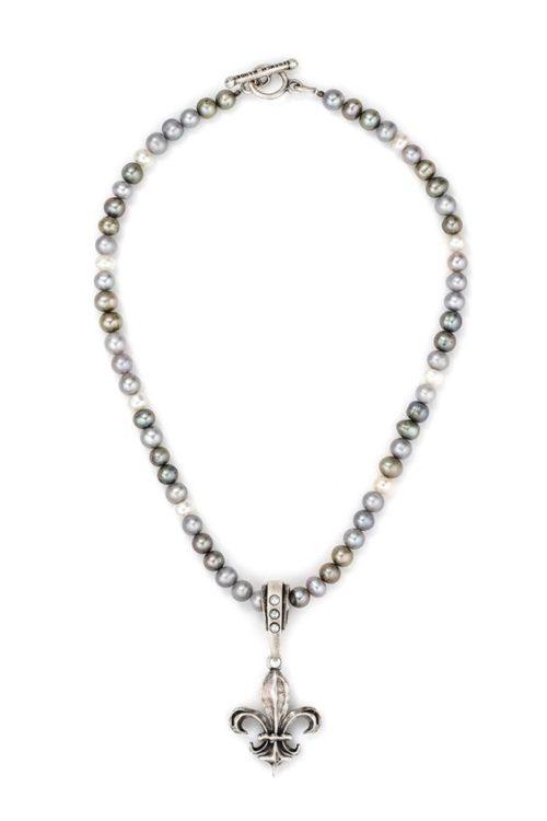 Silver pearl necklace with fleur-de-lis pendant. Details at une femme d'un certain age.