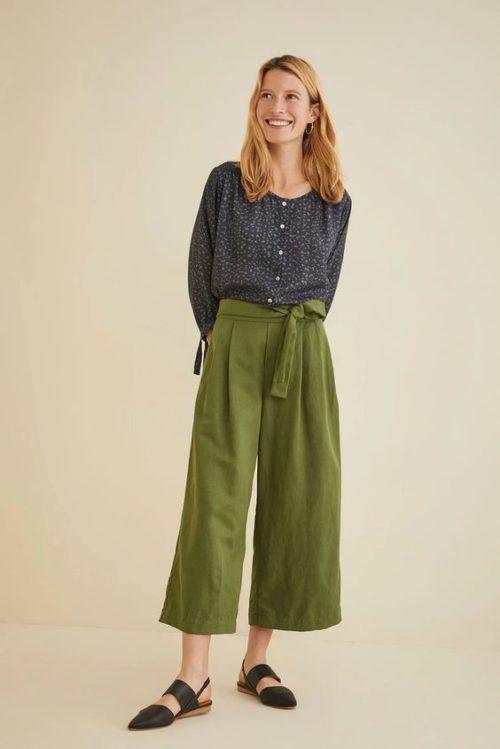 Amour Vert Remy dot print shirt in sustainable Tencel. Details at une femme d'un certain age.