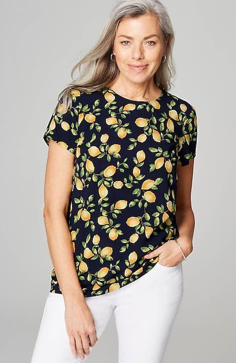 J.Jill rayon lemon print short sleeve top. Details at une femme d'un certain age.