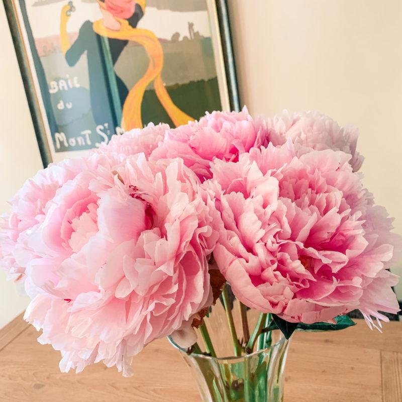 Pink peonies in a vase. Details at une femme d'un certain age.