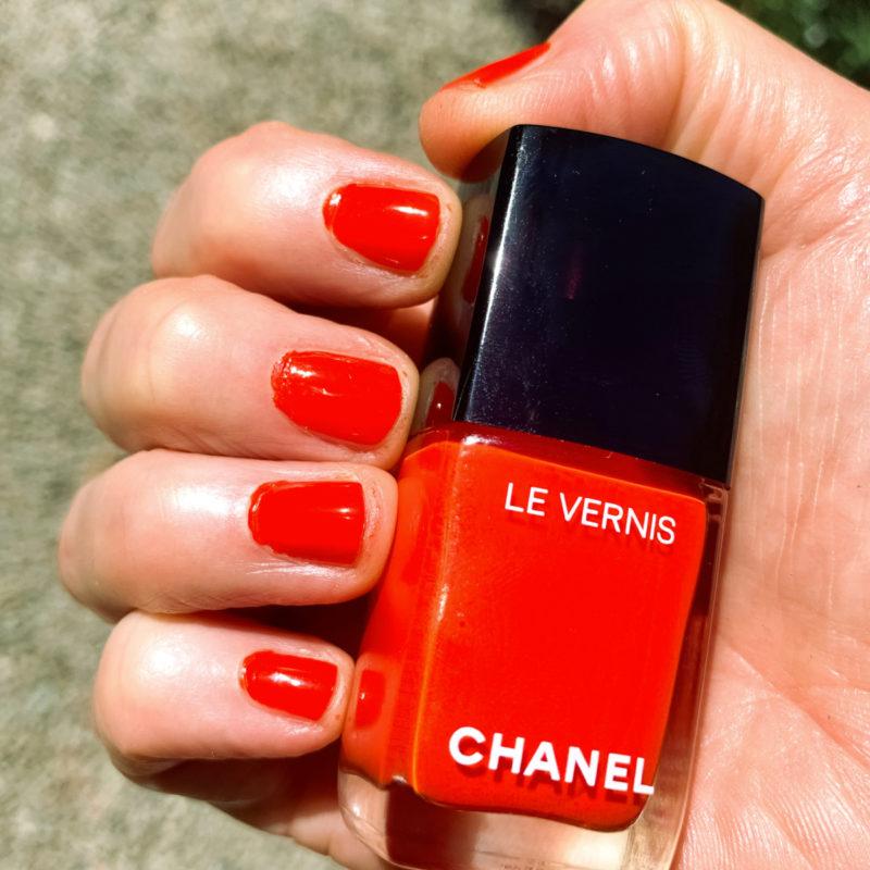 """Susan B. wears Chanel Le Vernis nail polish in """"Arancio Vibrant."""" Details at une femme d'un certain age."""