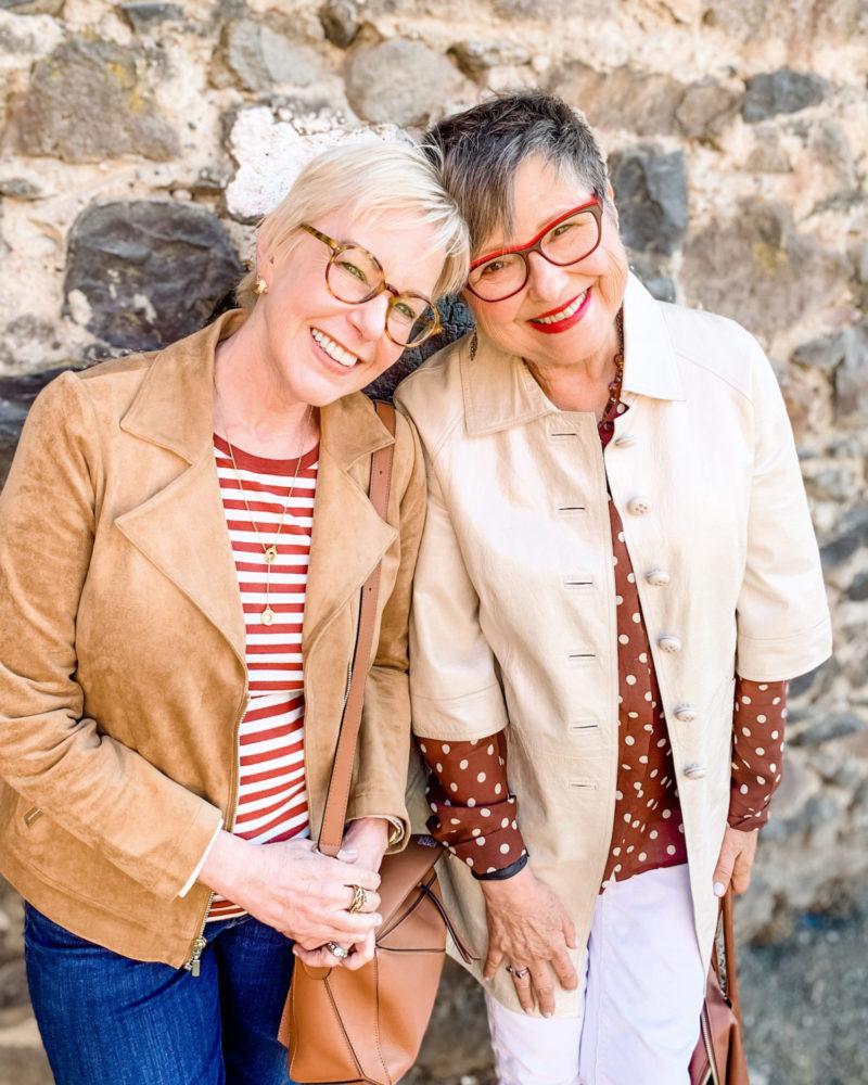 Susan B. and Brenda Kinsel in Petaluma, Oct. 2019. Details at une femme d'un certain age.