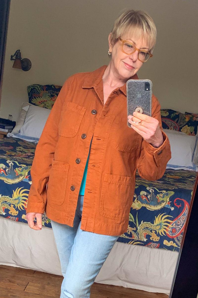 Susan B. wears an Everlane chore jacket in Copper. Details at une femme d'un certain age.