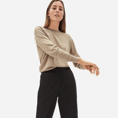 Everlane organic cotton crewneck sweater in Tan. Details at une femme d'un certain age.