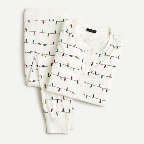 Women's pajamas in cotton knit. Details at une femme d'un certain age.