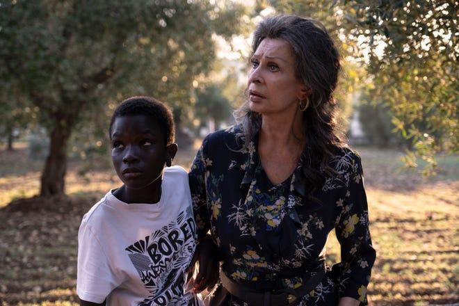 """Ibrahima Gueye and Sophia Loren in """"The Life Ahead"""" on Netflix."""