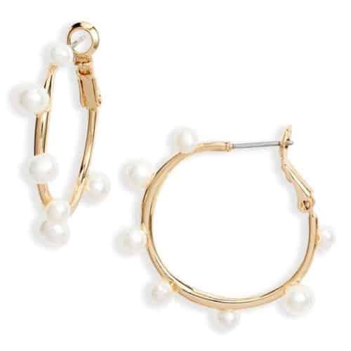 Mignonne Freshwater pearl gold hoop earrings.