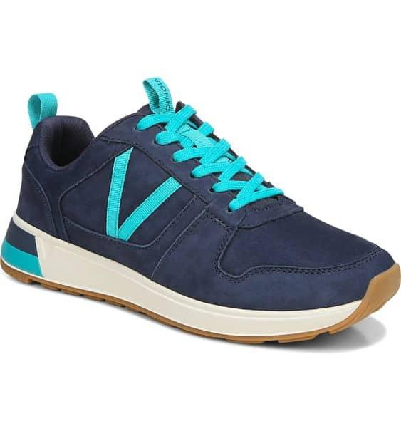 Vionic Rechelle sneakers in Navy.