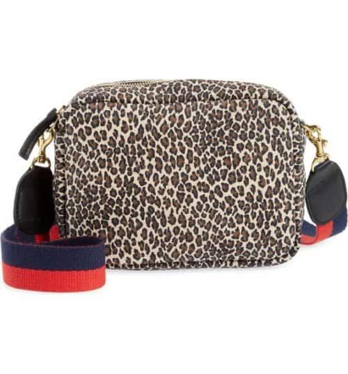 Clare V. midi sac in leopard print.