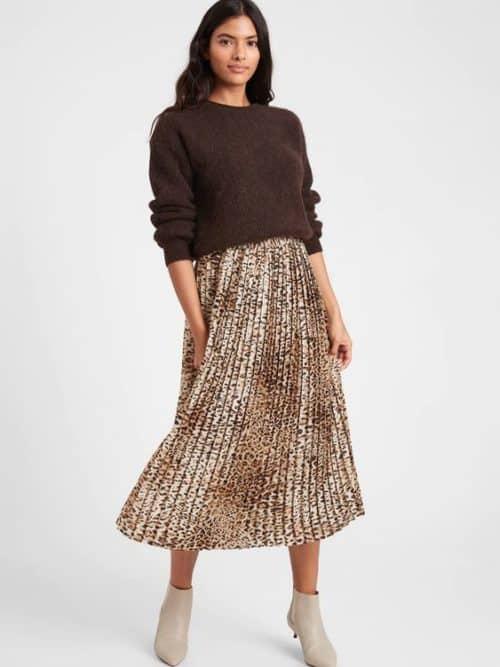 Banana Republic leopard print pleated midi skirt.